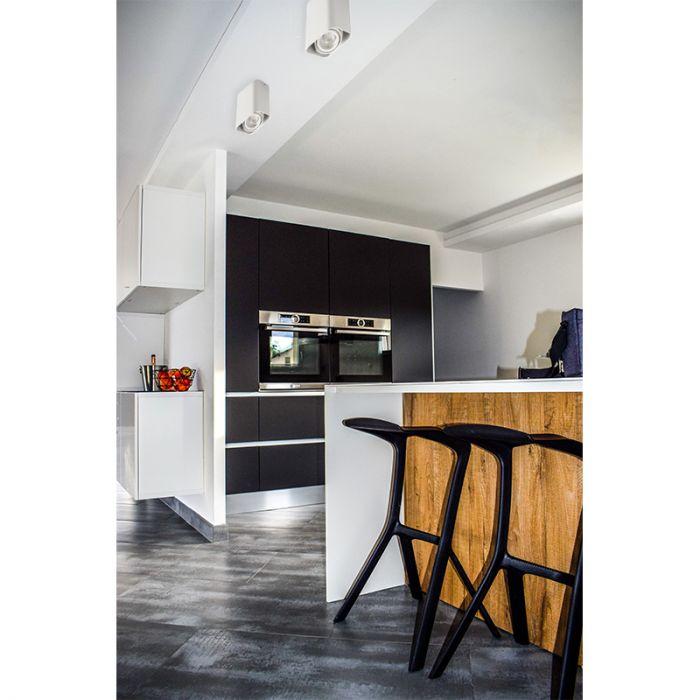 Moderne, witte opbouwspot Bera, Richtbaar spotje